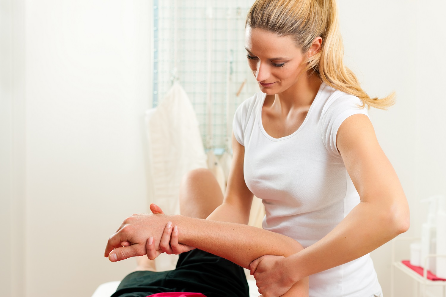 What Does a Physical Therapy Aide Do?